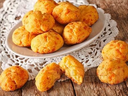 Солени еклери със сирене моцарела - снимка на рецептата